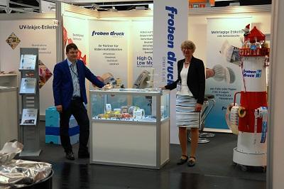 Ute Froben und Timo Wolfsdorf am Stand von Froben Druck auf der FachPack Messe 2016